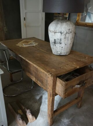 Oude Franse sidetable